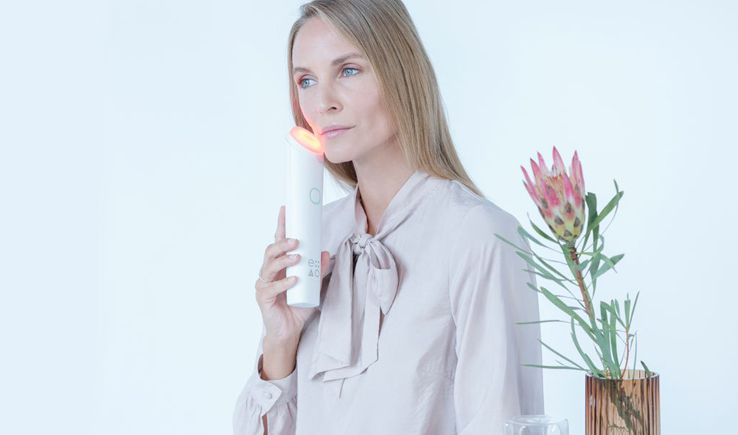 Eterno LED Anti-Aging Device offers an at home facelift-GadgetAny