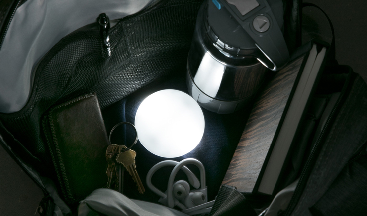 This German Light-Up Pebble Helps Me Discover Everything in My Purse- SOI-GadgetAny
