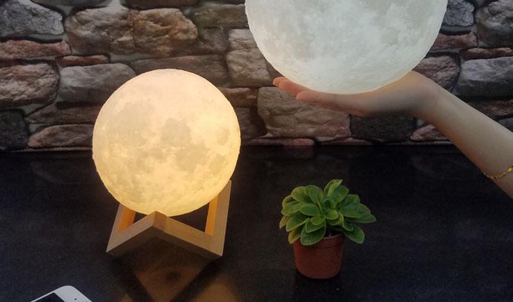 Enchanting Moon Night Light – Lunar Light-GadgetAny