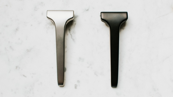 Single edge stainless razor