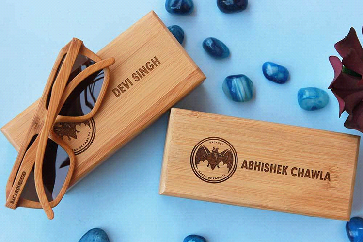 Customized Wooden Sunglasses As Corporate Gifts