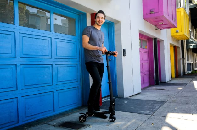 MiniFalcon: The E-Scooter That Fits In A Backpack-GadgetAny