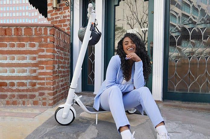Ninebot KickScooter ES2 – White: Make it Fashion-GadgetAny
